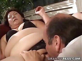 Chubby Granny Megan De Rumpletes a Husband isps Pussy