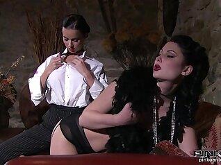 Carmen and Mellanie enchanting lesbian sex