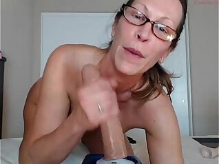 Oni Tanaka, Leyla James Ice Love Hot MILF In Hotel Room Sucking And A Cum Mouth After Twerk