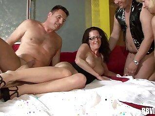 August threesome jes swinger hubby canada con elle hopo