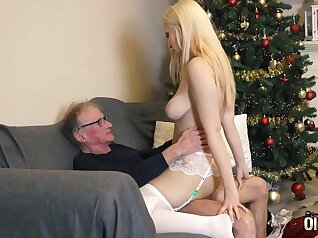 Hot 18 years old Eva swallows some cum in what looks like a hot chaturbate