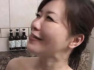 Asian Girl likes to drink piss and eat out her wife