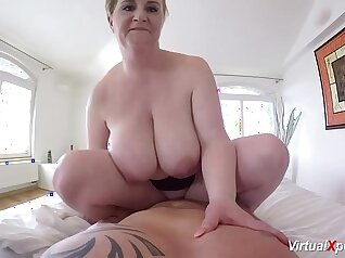 Busty stepmom gives delicious show on pov