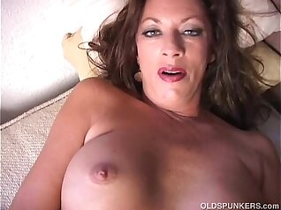 Daaums pussy is making me squirt