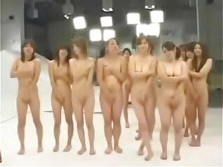 Attractive Japanese slut Nouri Natt bathing by a mirror