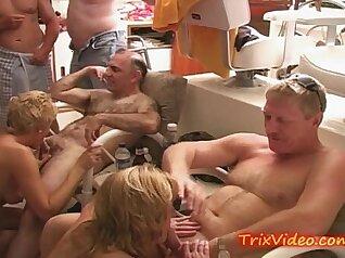 Pov Size Ghetto Bitch Slut Wifey Gets Fucked on the Bar